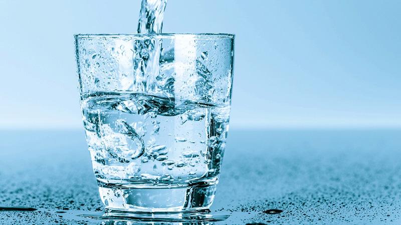 uống nước trước khi ăn